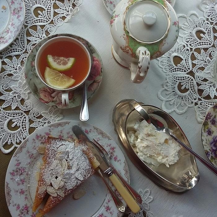 antique-rose-vanilla-cake-vimfromzim